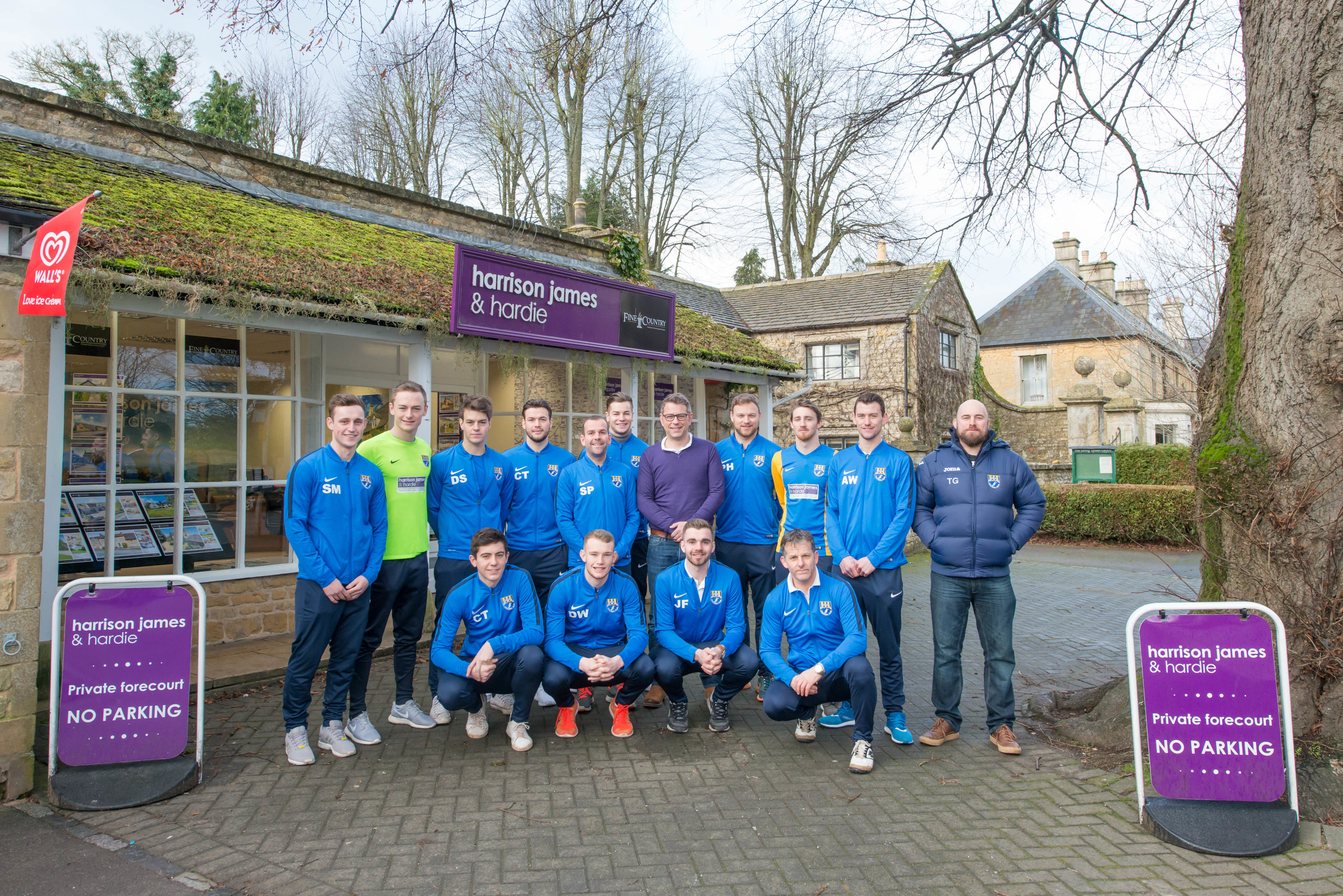 Bourton Rovers FC with James HARDY-3.jpg