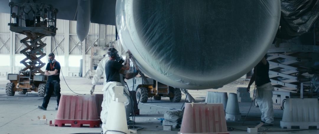 lufthansa-new-livery-beklebung-a380-rom-flugzeug-hangar-timelapse4.jpg