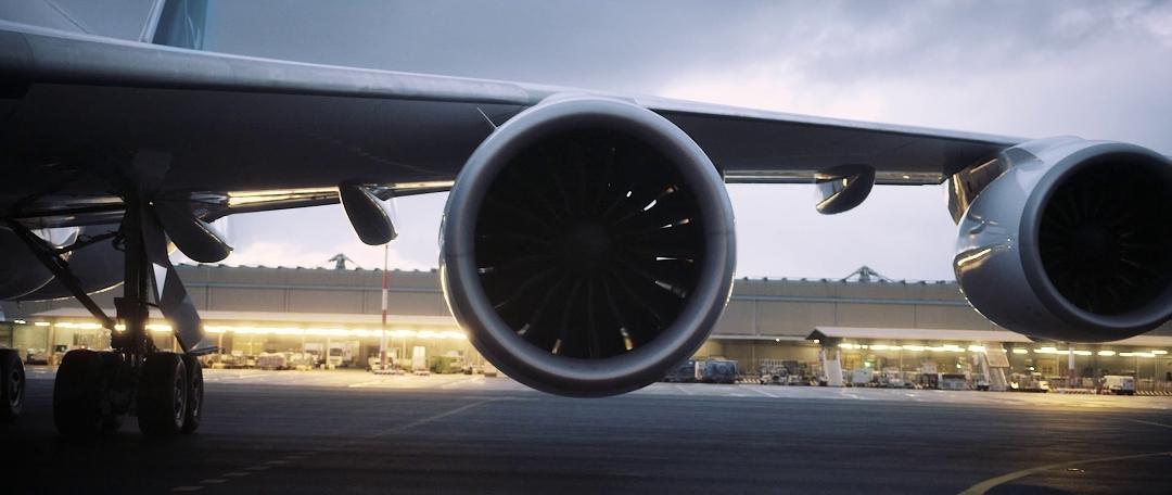 lufthansa-new-livery-beklebung-a380-rom-flugzeug-hangar-timelapse11.jpg