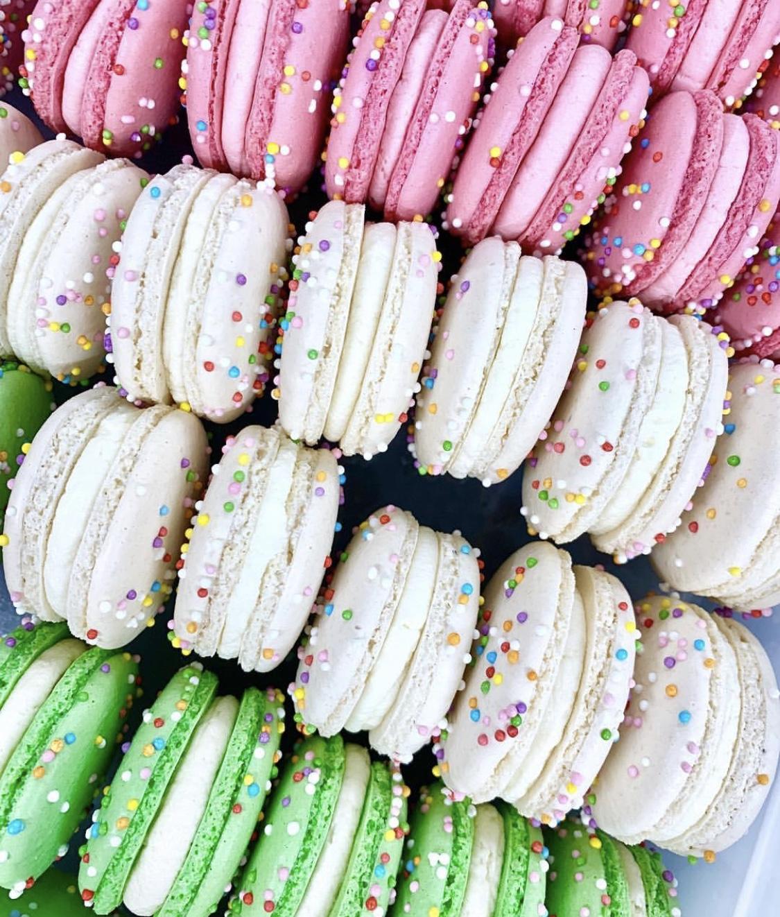 Funfetti Macarons.jpg