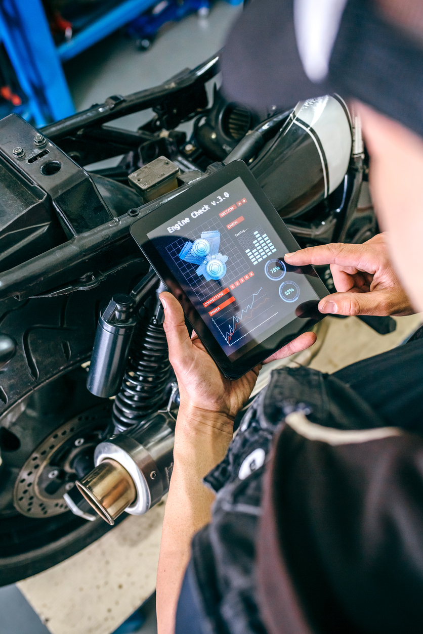 Your Guide to Leveraging Vehicle Maintenance Software to Optimize Operations.jpg
