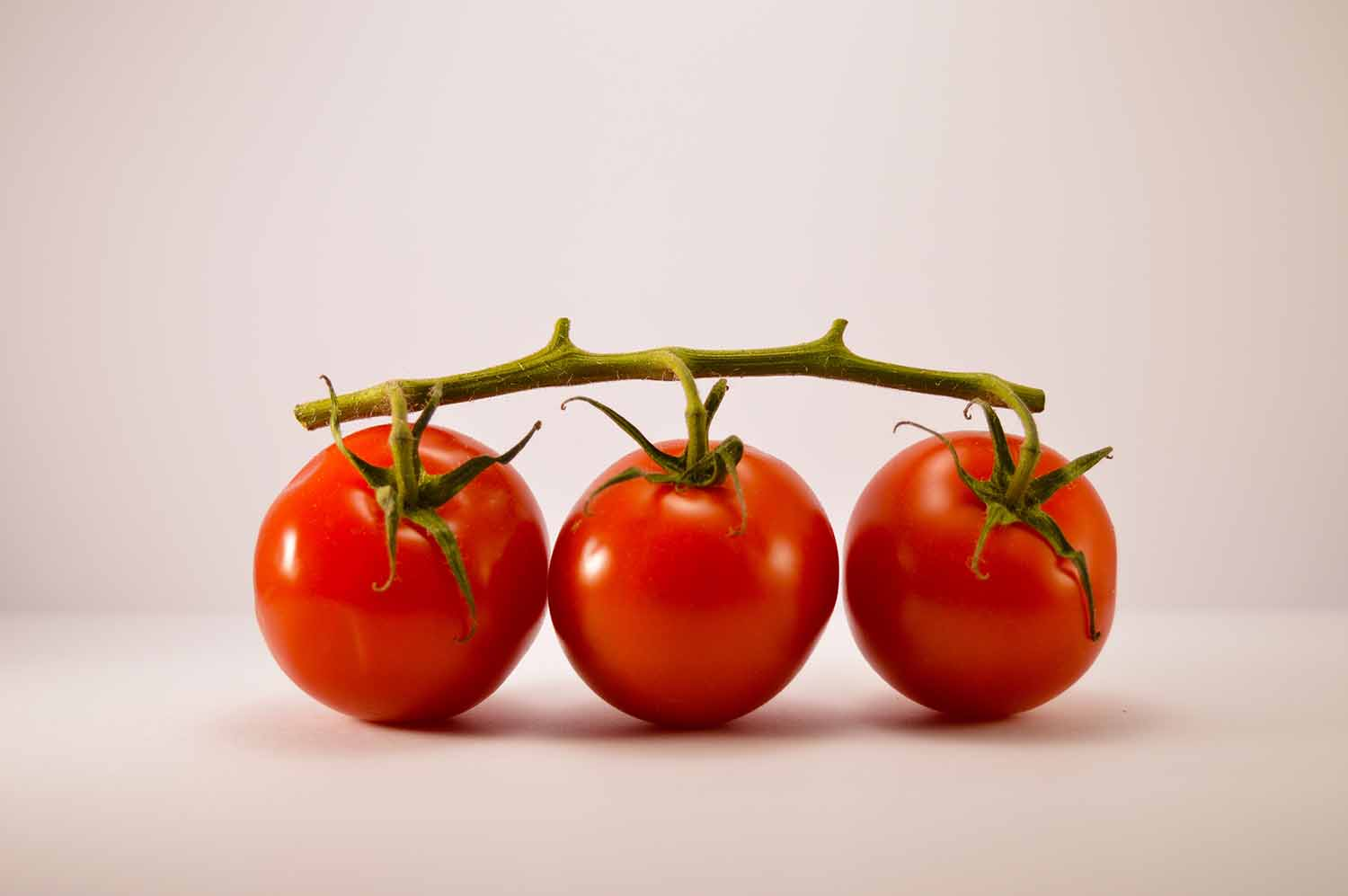 The antioxidant lycopene found in tomatoes acts as an internal sunscreen.