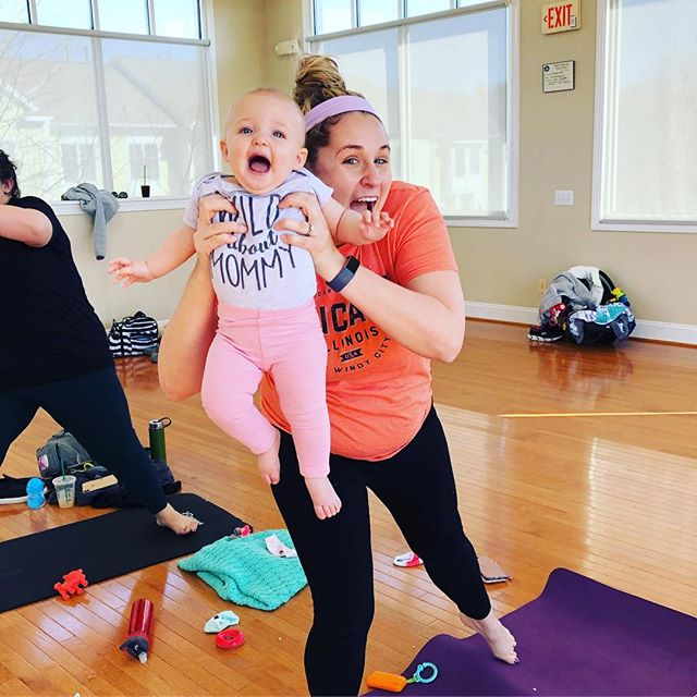 Look at our sweet babies and mamas! 😍❤️ #babyandmeyoga