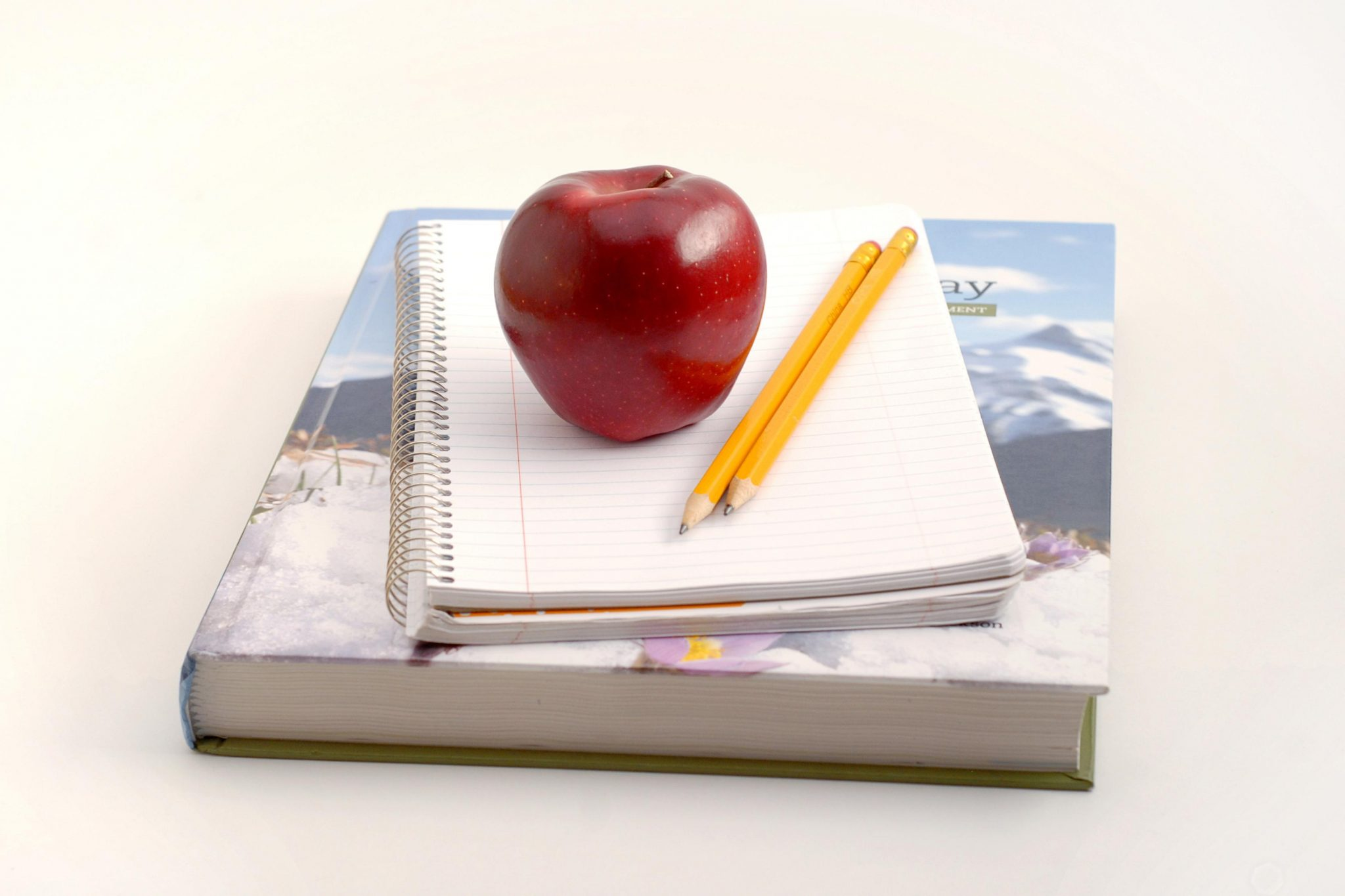 apple-and-books.jpg