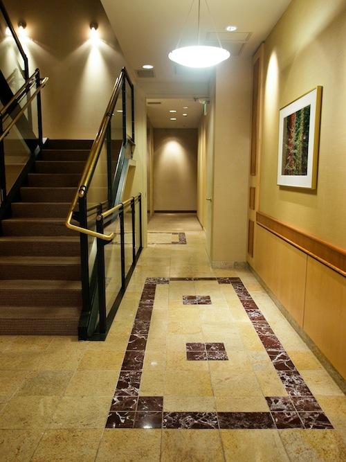 929 Pearl St Boulder Lobby 2.jpg