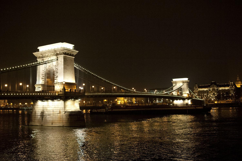 BUDAPEST_Parlement nuit 4.jpg