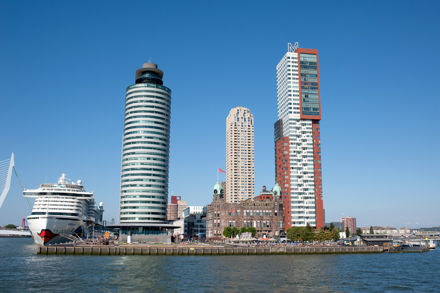 Rotterdam_City guide_Hotel New York4jpg.jpg