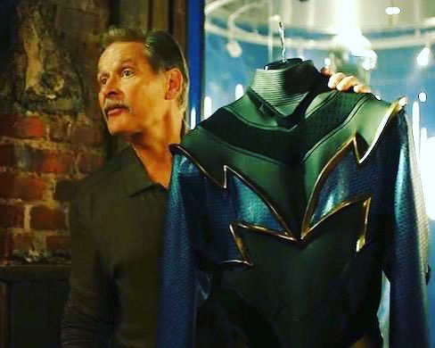 Anybody see the latest episode of Black Lightning? This suit was not only thing that came back.... @wallyanalog & @rowlsroyceelite can't wait to talk about this week's episode! Stay tuned for our latest episode of Black Lightning: The '82 Podcast this Saturday! LINK IN BIO to listen to the podcast. #getlit #blacklightning #cresswilliams #dc #dccomics