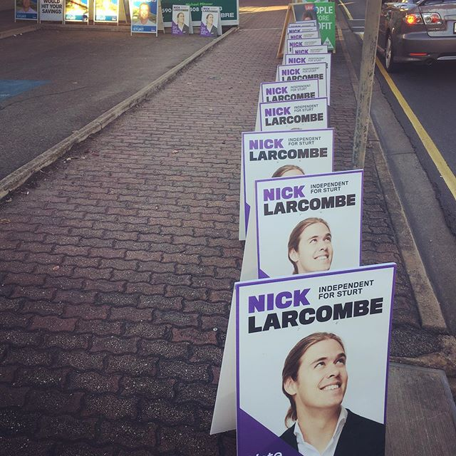 The early bird catches the prime locations. Last day of PrePol . . . . #auspol #ausvotes #sturtvotes