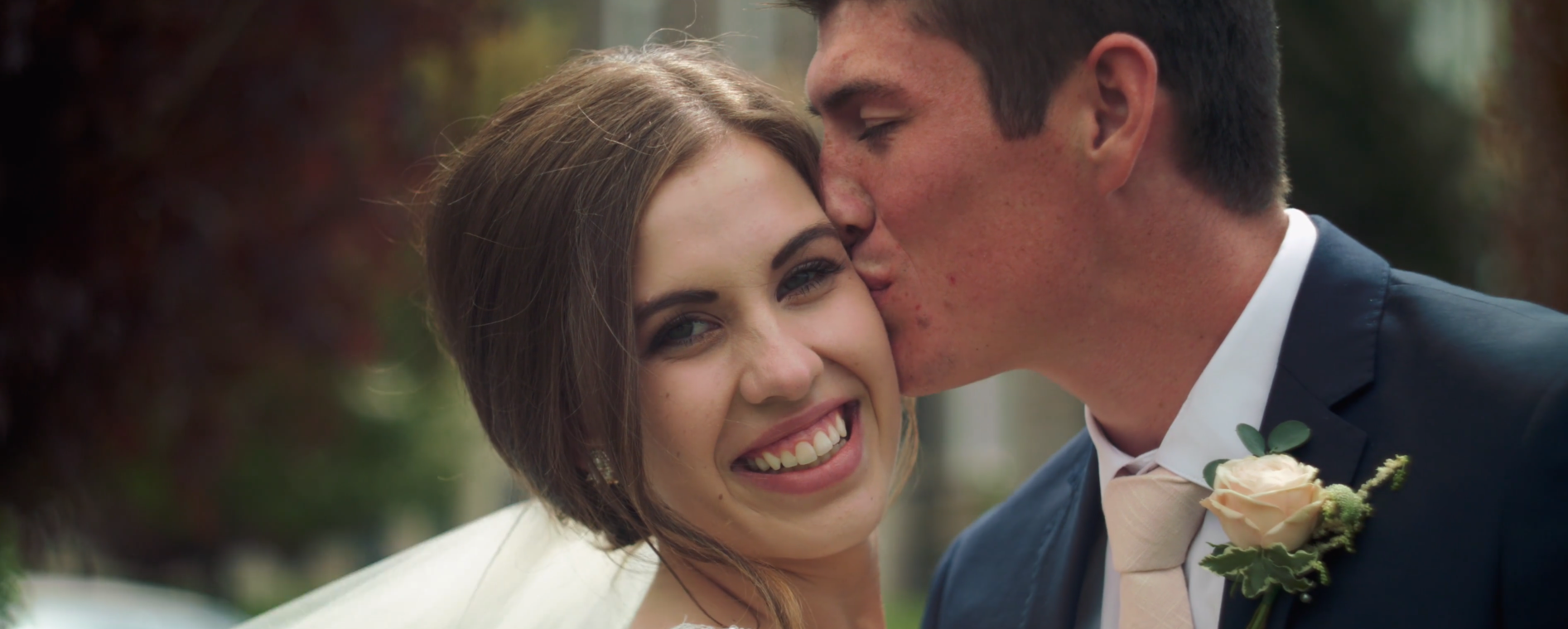 It's just so easy to see how happy this couple is, a smile is worth a thousand words!