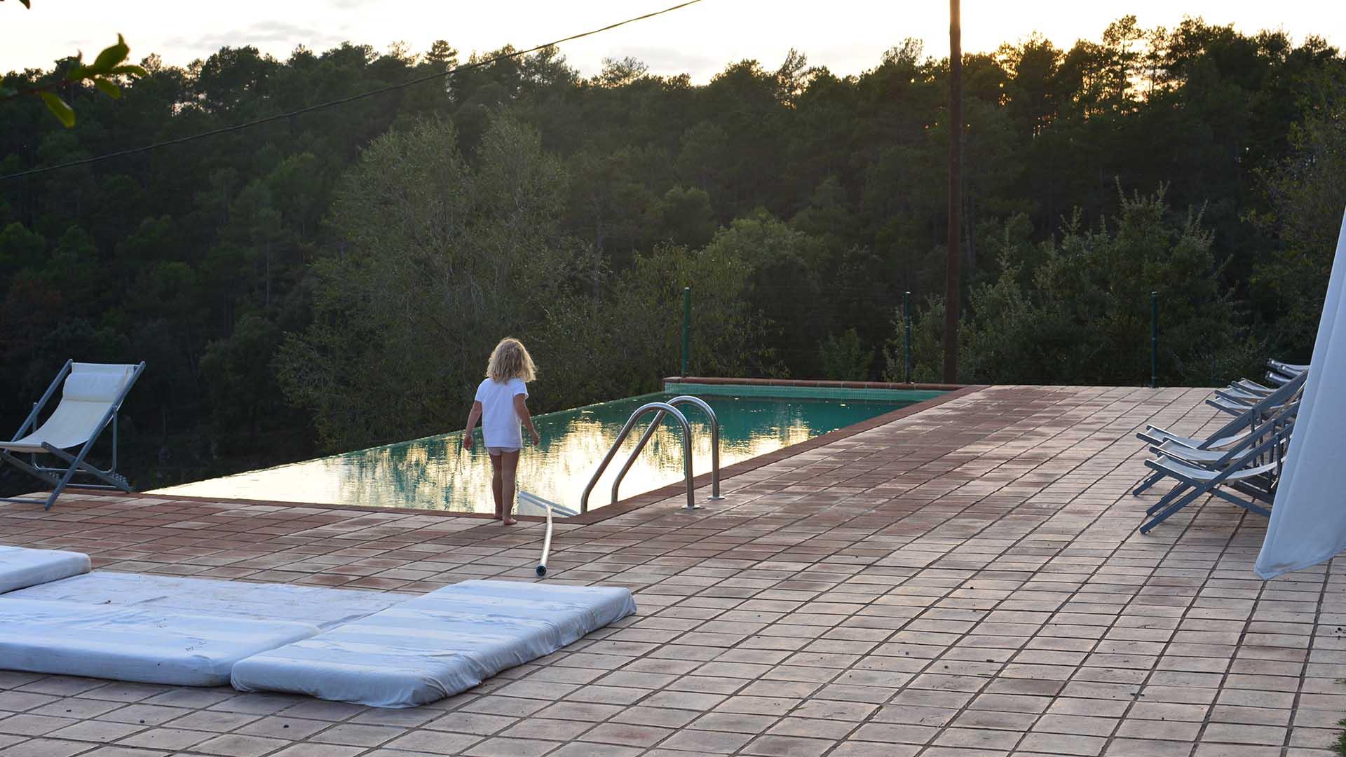 villa-pool.jpg