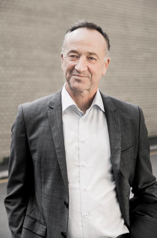 Jørn Knudsen - CEO at e-nettet  Tel: 41 95 53 50  Mail: jk@e-nettet.dk  Website: e-nettet.dk