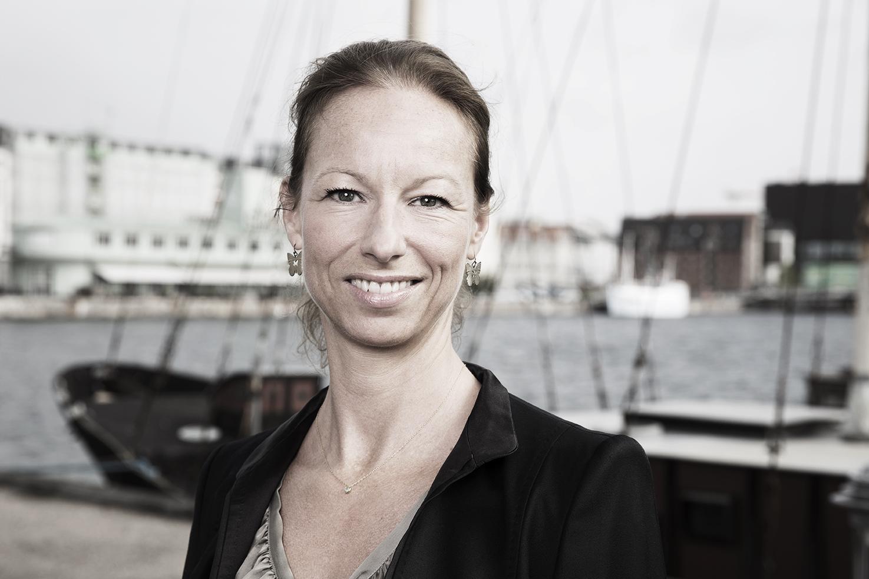 Isabelle Navarro Vinten - Kontorchef | Natur og klimatilpasning at Miljø- og Fødevareministeriet  Tel: 51 92 93 90  Mail: isnvi@mfvm.dk  Website: www.mfvm.dk/miljoe/