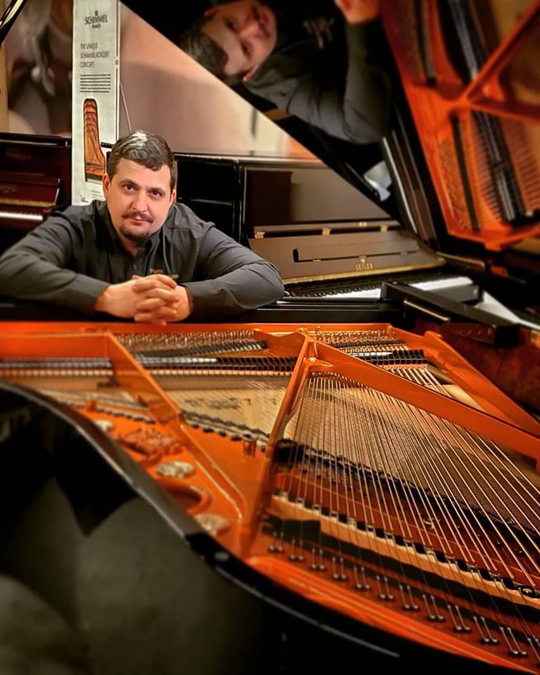 Richard T. Cromwell  Piano Technician