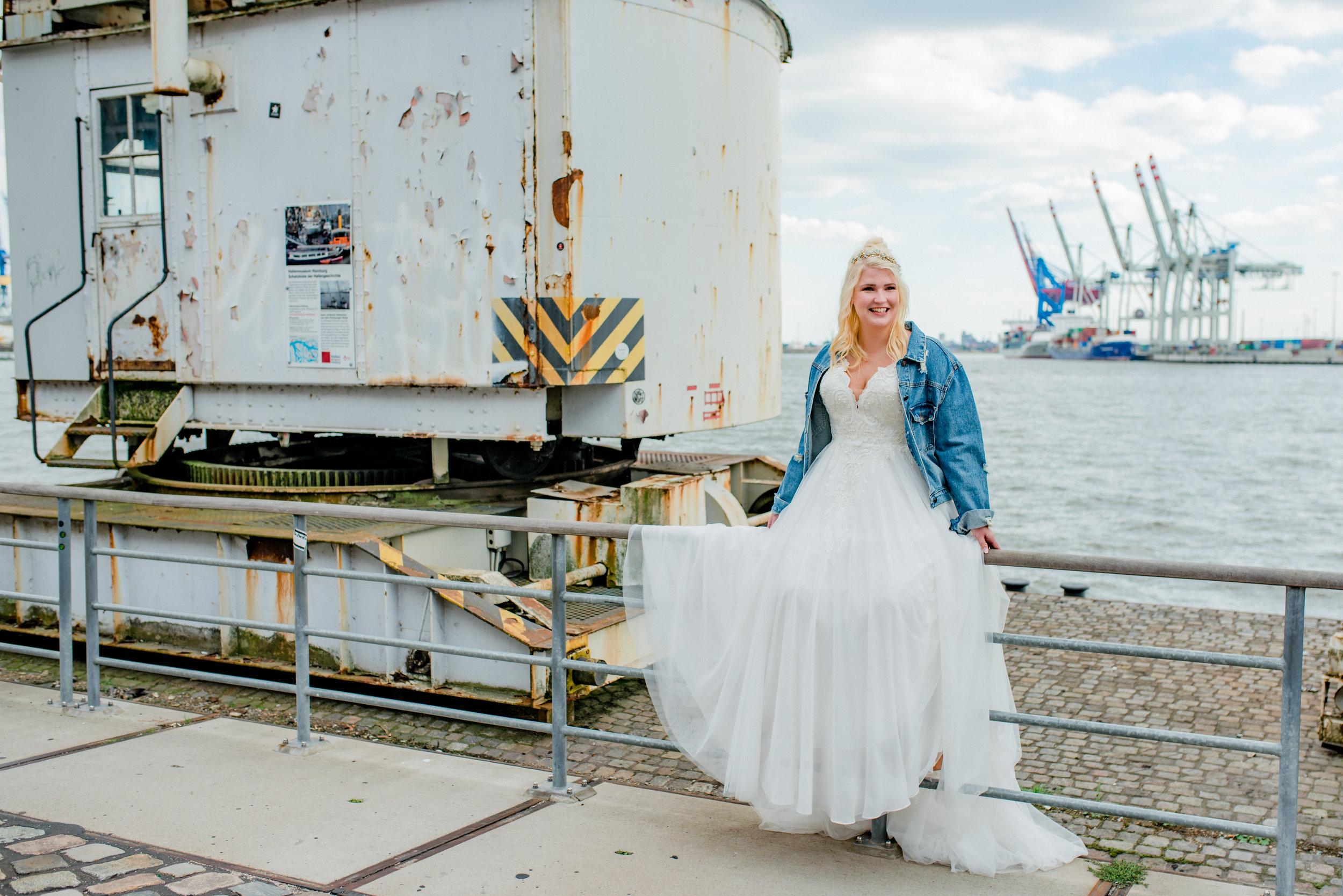 vollkommen.braut.- the curvy bridal boutique - plus size