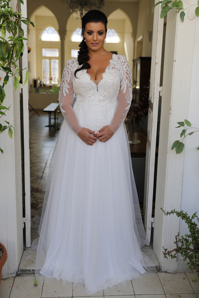 Vollkommen Braut Willkommen Bei Deiner Brautboutique Fur Curvy Hochzeitskleider