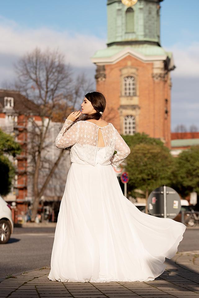 vollkommenbraut-curvy-boho-brautkleid-plussize-hochzeitskleid-therese-luise-vintage.jpg