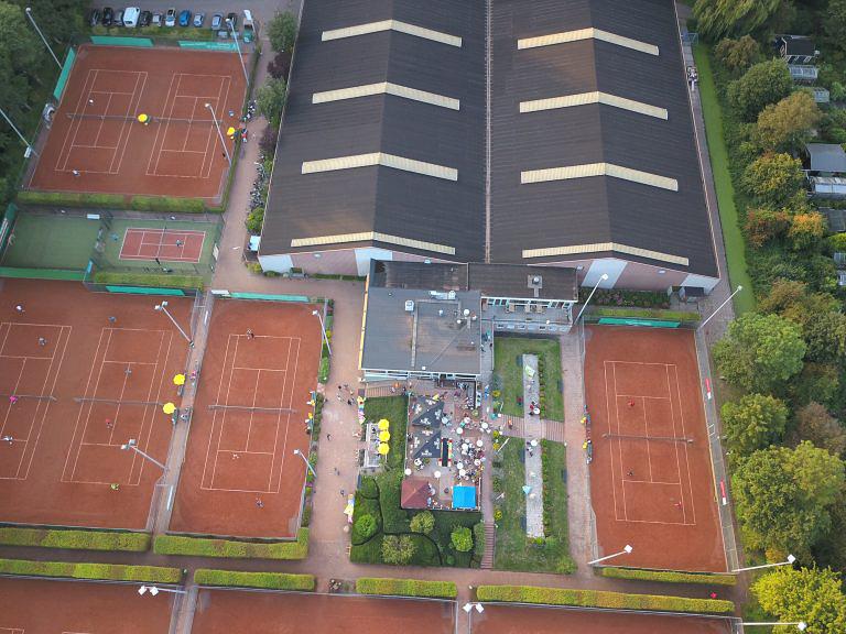 Luchtfoto-Tennispark-De-Delftse-Hout-2-768x576.jpg
