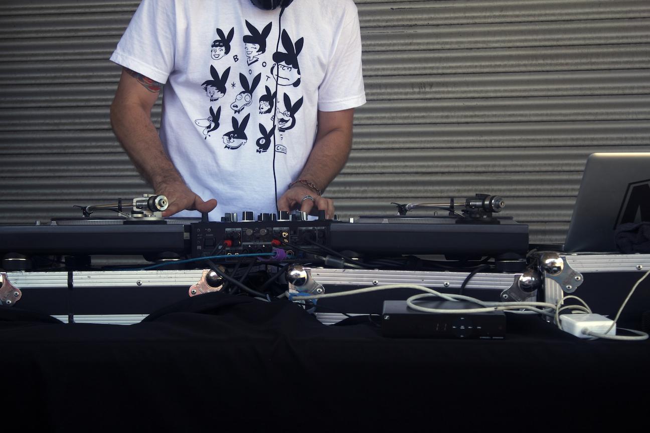 DJ Neili Neil