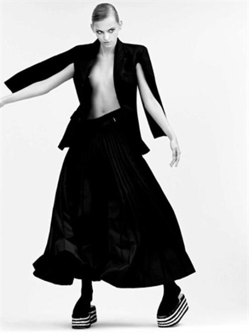 COMME DES GARÇONS ARCHIVE AT HOL    for VOGUE italia    photography John Lindquist