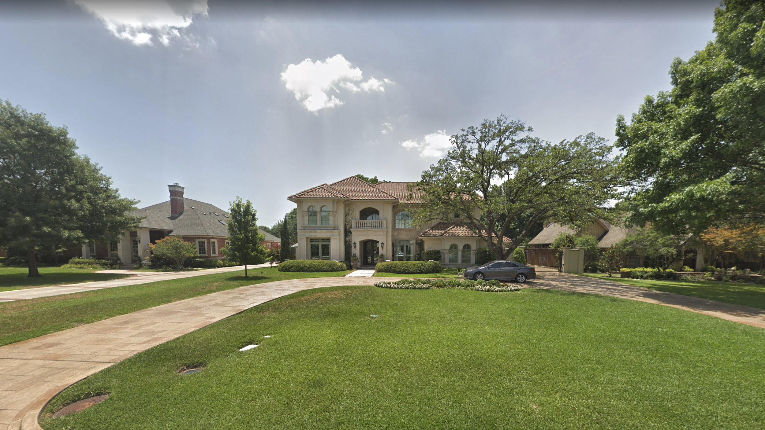 1970–1980  6038 Woodland Drive, Dallas, Texas. (Note: This is not the McMansion I grew up in. It, and so many others in the Preston Hollow neighborhood, have been bulldozed and replaced by much bigger houses as property values skyrocketed over the past 20 years).