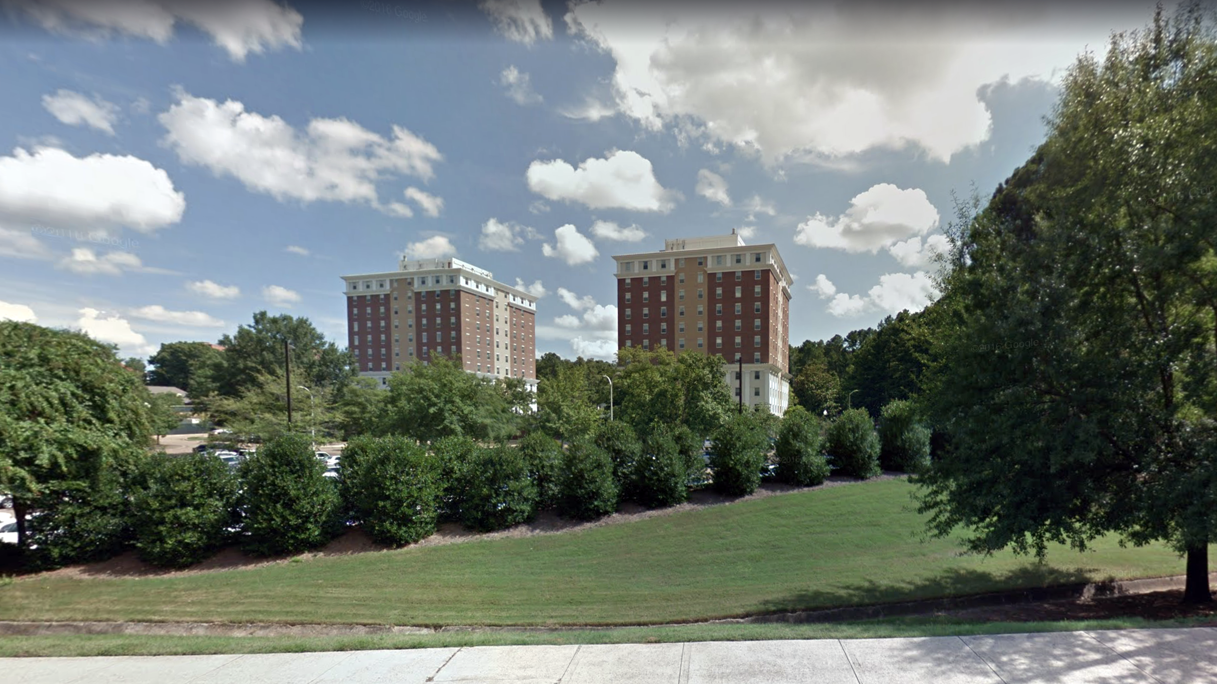 1980–1981  Twin Towers dormitory, Ole Miss, Oxford, Mississippi