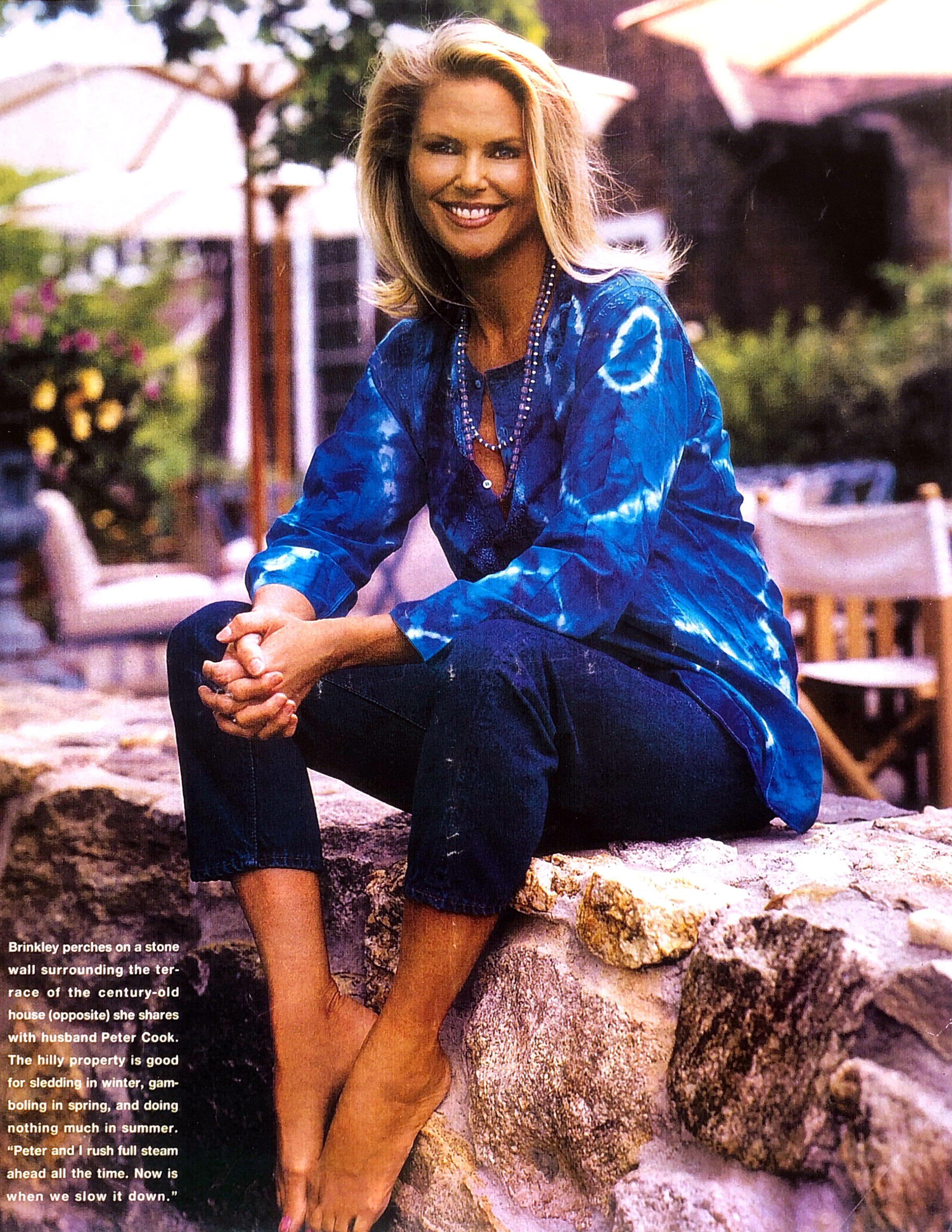 Christie Brinkley - Christie Brinkley enjoying the summer sun in our Dö Kham classic cotton tie dye tunic