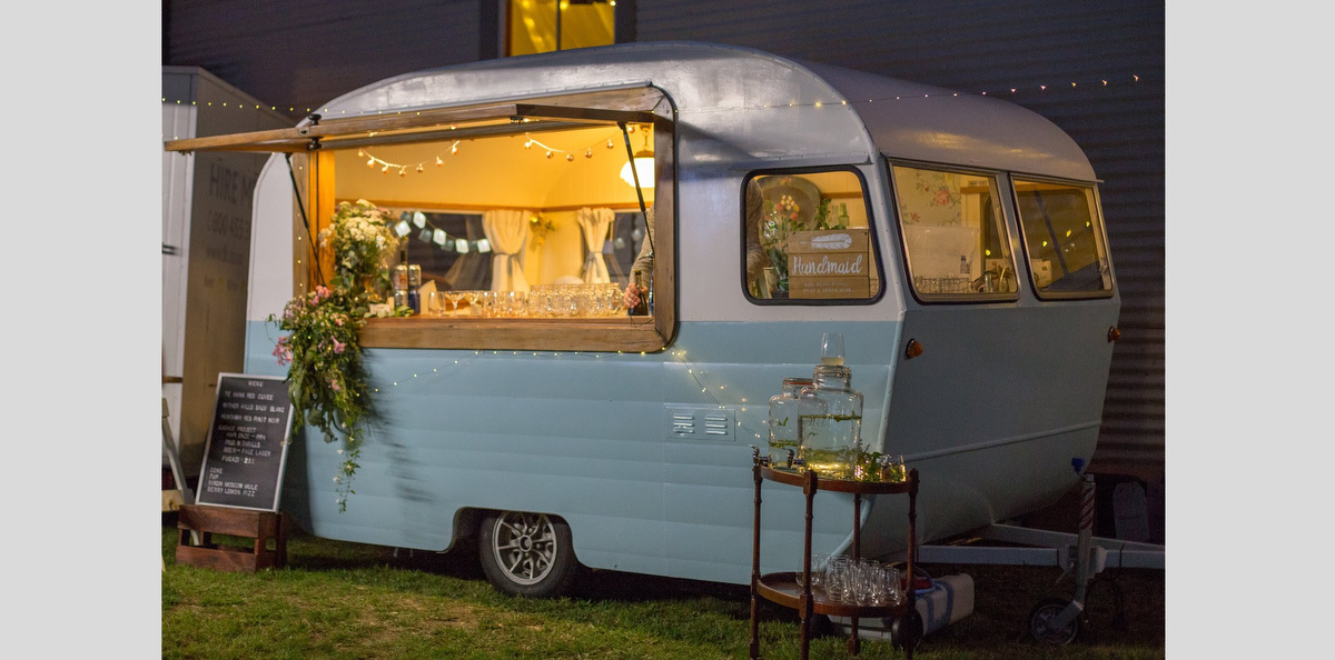 caravan-bar-sadie-swoon-weddings-01.JPG
