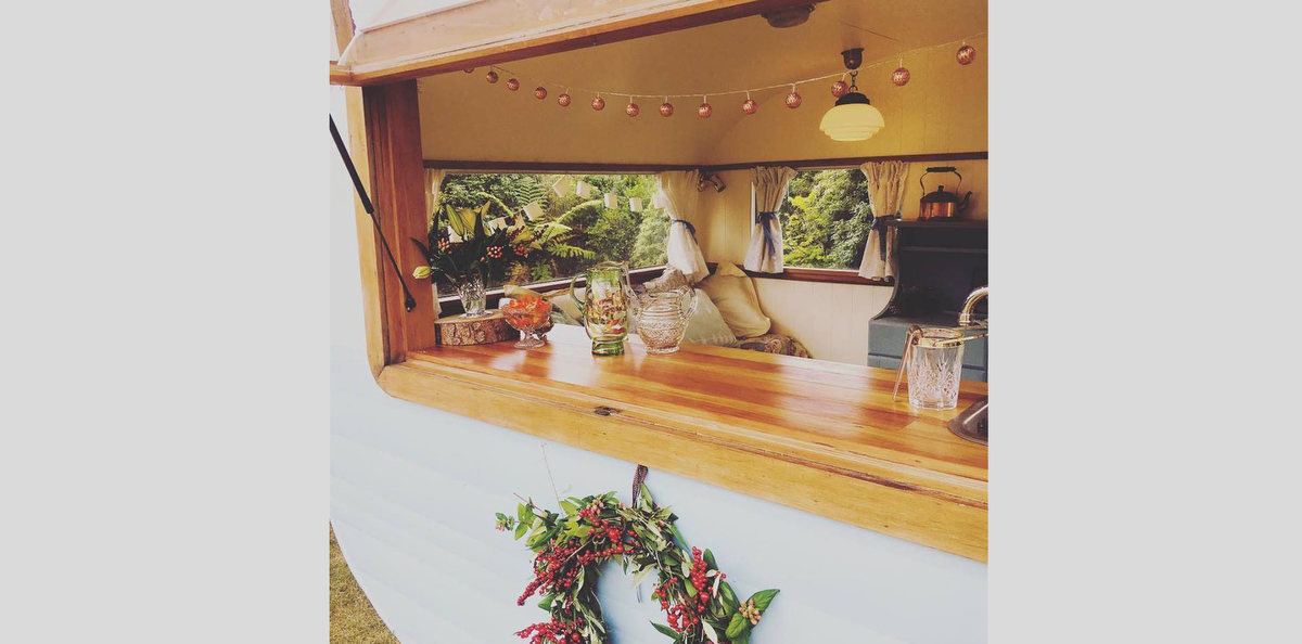 caravan-bar-sadie-swoon-weddings-05.JPG