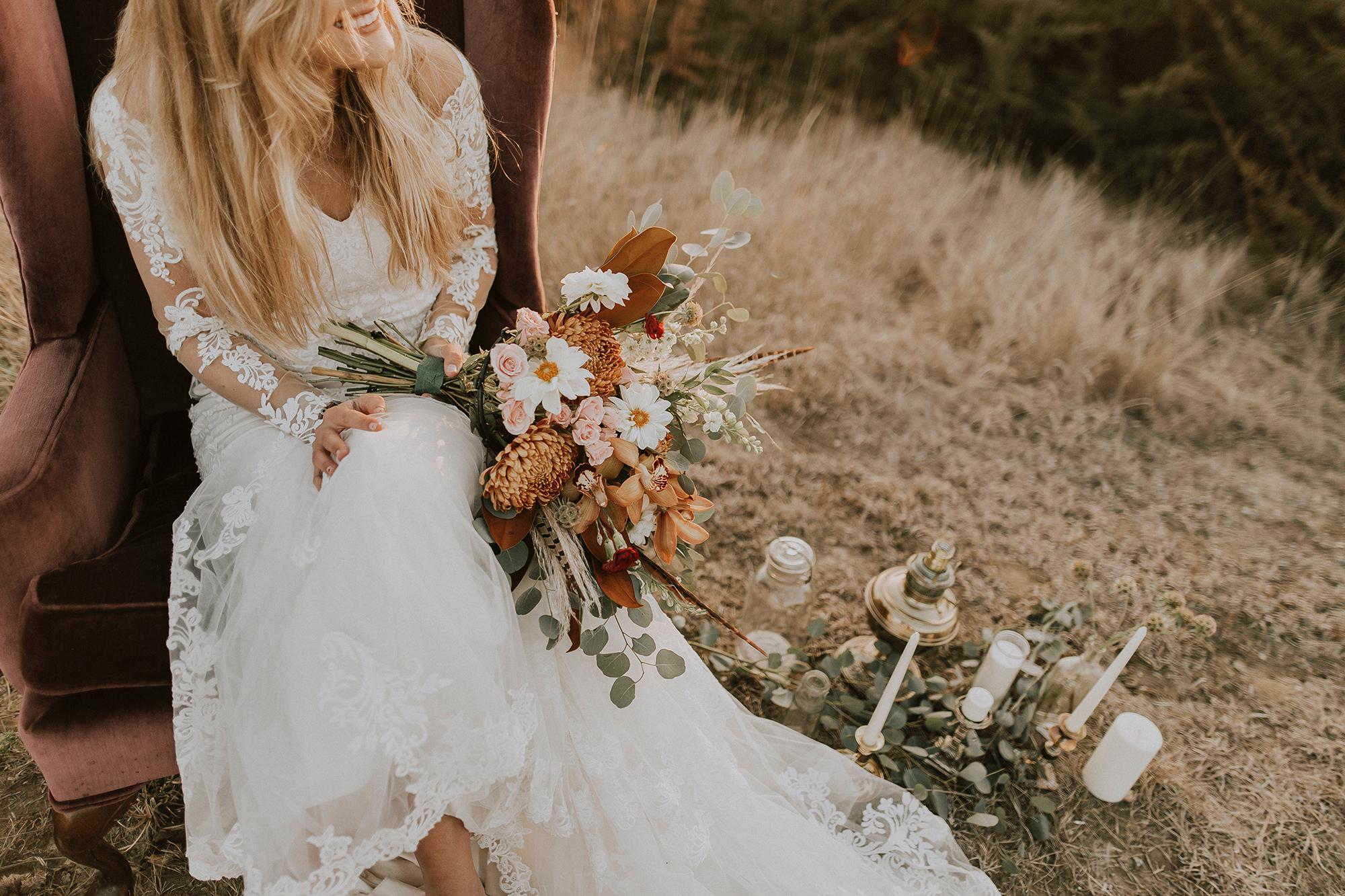 boho-bride-orange-bouquet.jpg