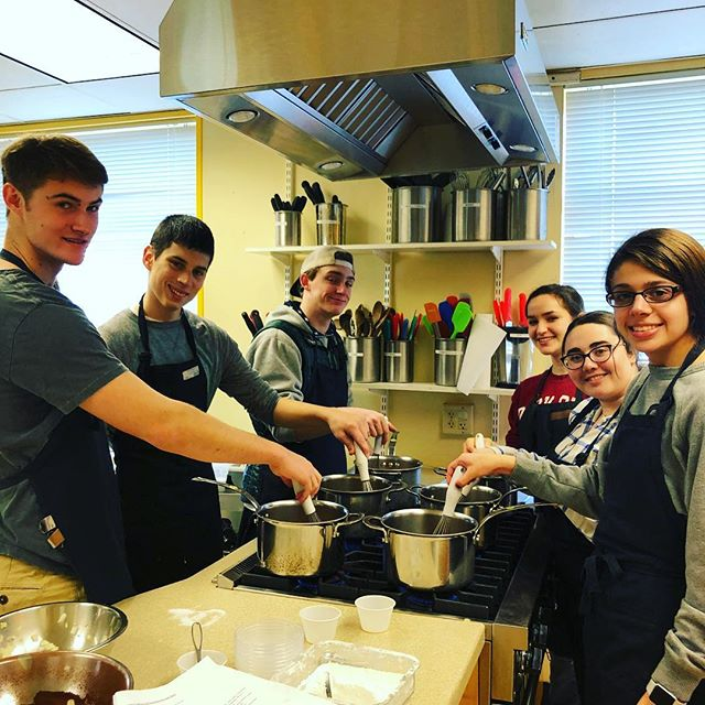 Taking our cooking to a whole new level at Create a Cook!  #semesteroff #cooking #healthyfood #food #wellnesslifestyle #cookingclass #happiness #goodness #createacook