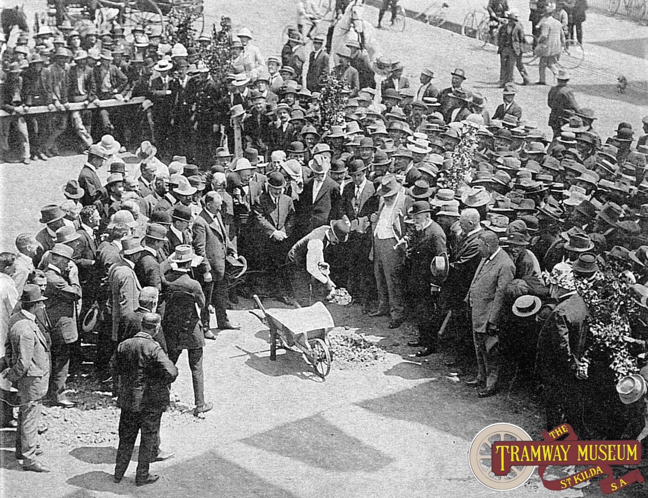 Turning of the first sod at the start of the construction of the new electric tramway system in 1908.