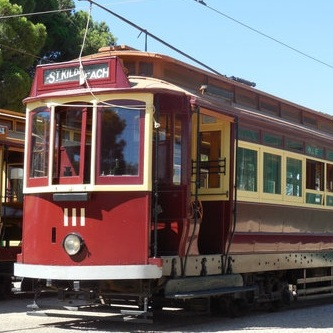 🔶 MTT 1910 (1936 Rebuild) E1-Type Tram No. 111 - Operational in Regular Traffic