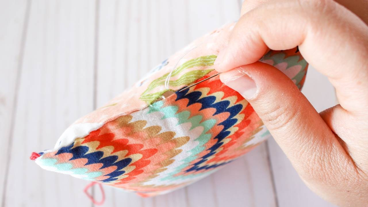 LESSON: CREATE AN INVISIBLE LADDER STITCH