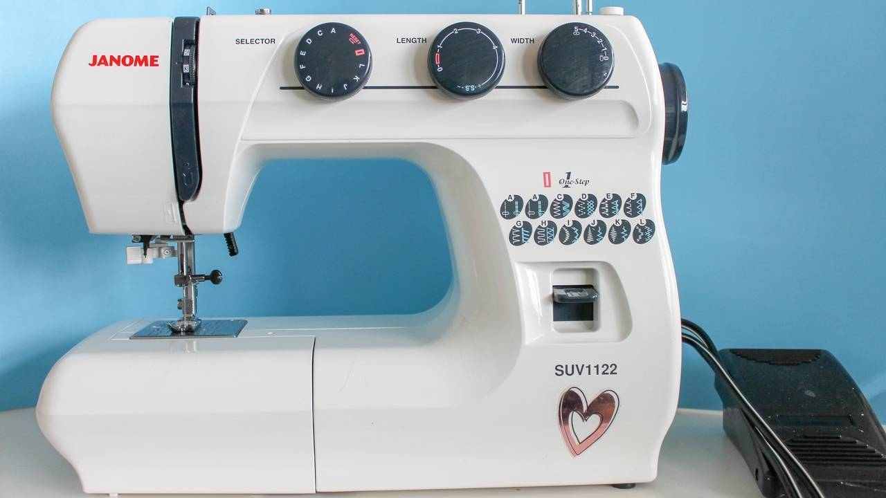 LESSON 01: YOUR SEWING MACHINE