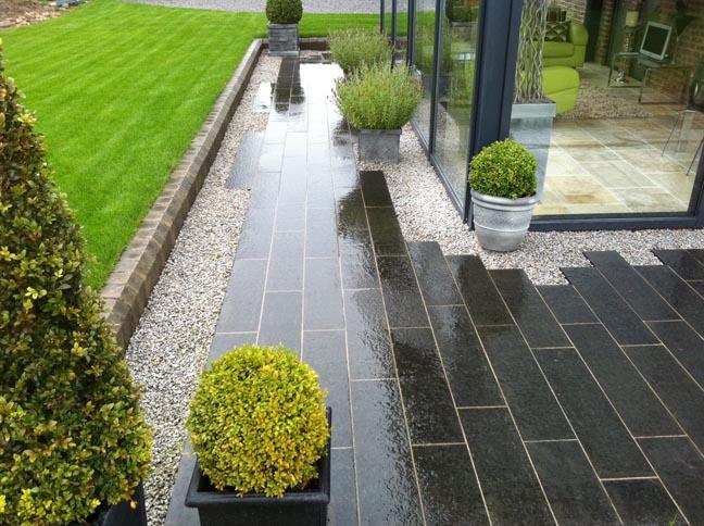 Large Gardens -