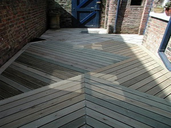 Decking and Woodwork Wynyard.jpg