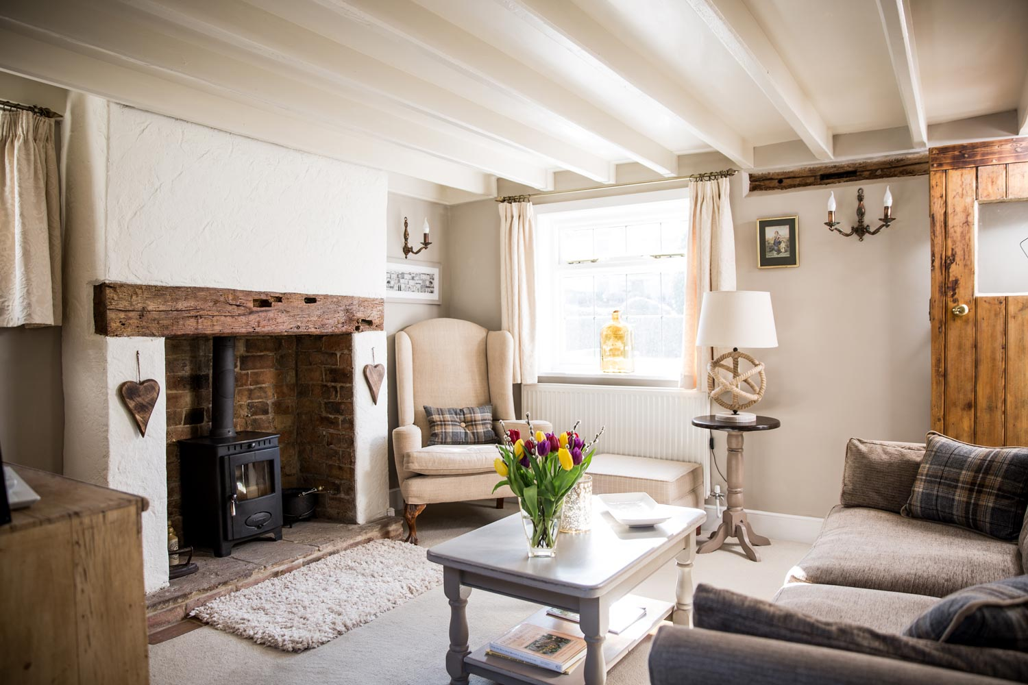 Cosy Lounge - Sumptuously decorated, with comfy sofas and a wood burning stove, perfect for a cosy night in. Free wifi, bluetooth music system and TV.