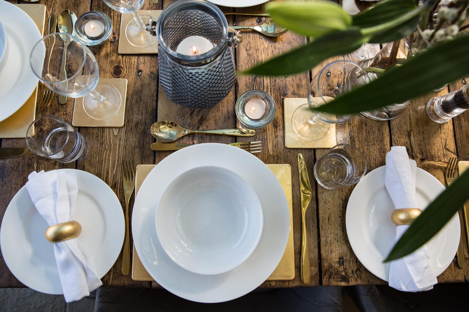 Stunning tableware for guests use