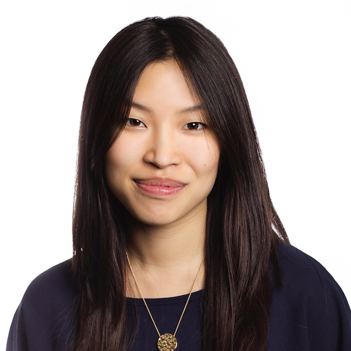 Dawn Li Wan Po,    Portfolio Manager, Julius Baer   Dawn Li Wan Po is the lead Portfolio Manager for Julius Baer's Global Equity Income mandate in the Investment Management division of Julius Baer. Dawn is also Head of Equities in the UK Portfolio Construction Team, which is responsible for the construction of models for the management of the discretionary clients of the Julius Baer London office. Dawn works with a number of our leading relationship managers and clients.