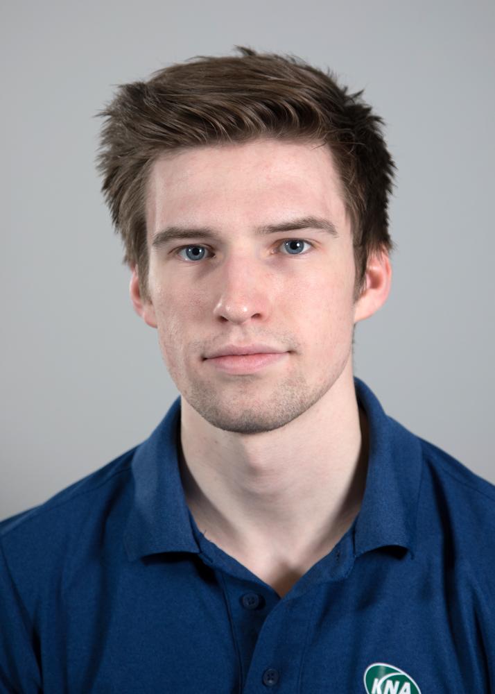 Sander P. Markussen - Har jobbet på KNA siden 2017Medlem av Norsk MassasjeforeningUtdanning:Massasje- og terapiskolen i Tromsø -2017