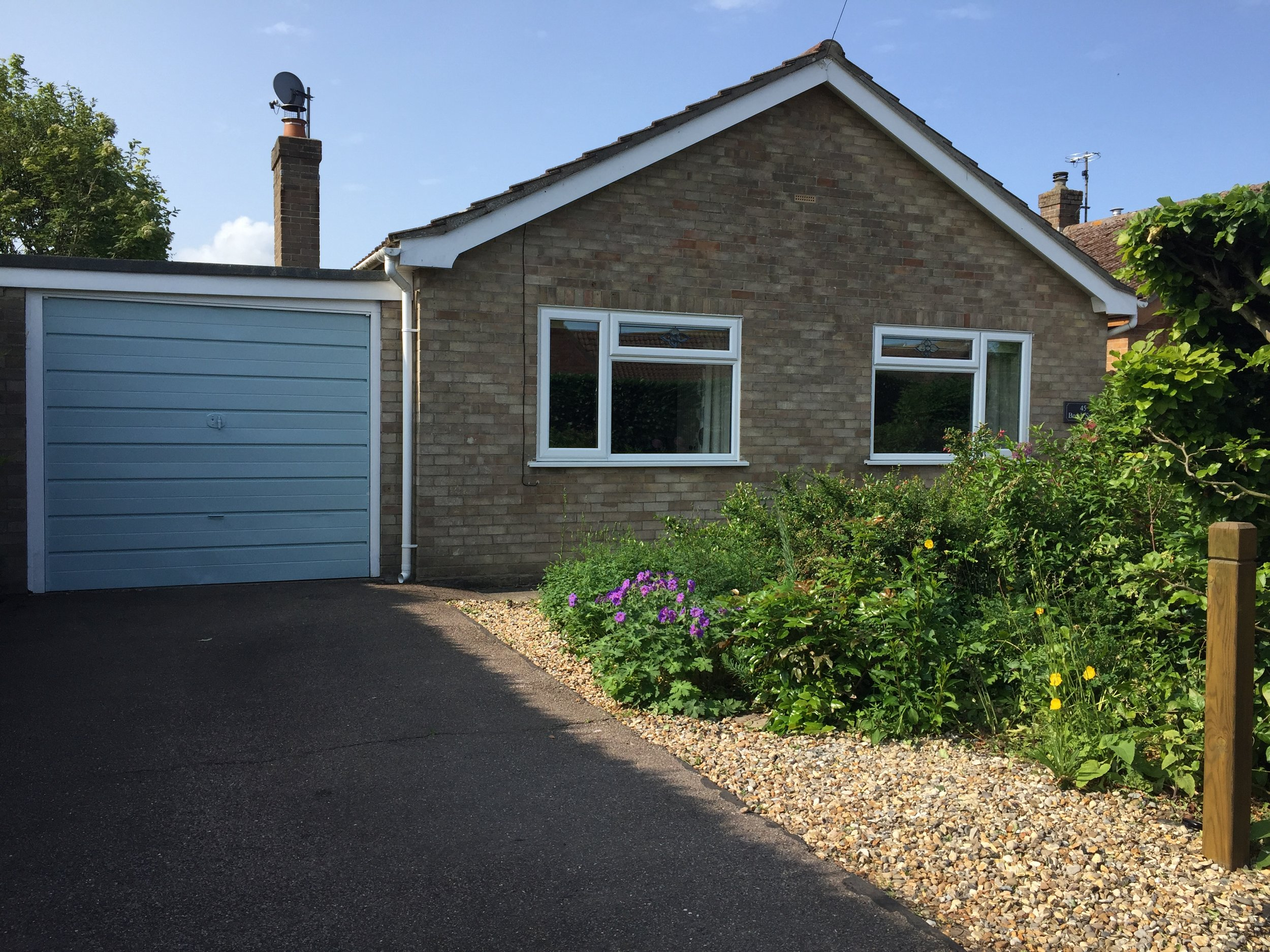 Beech Syde - Beech Syde is a detached bungalow situated in a quiet cul-de-sac with 'off road' parking.The accommodation and garden, being all on one level, is ideal for those with limited mobility.