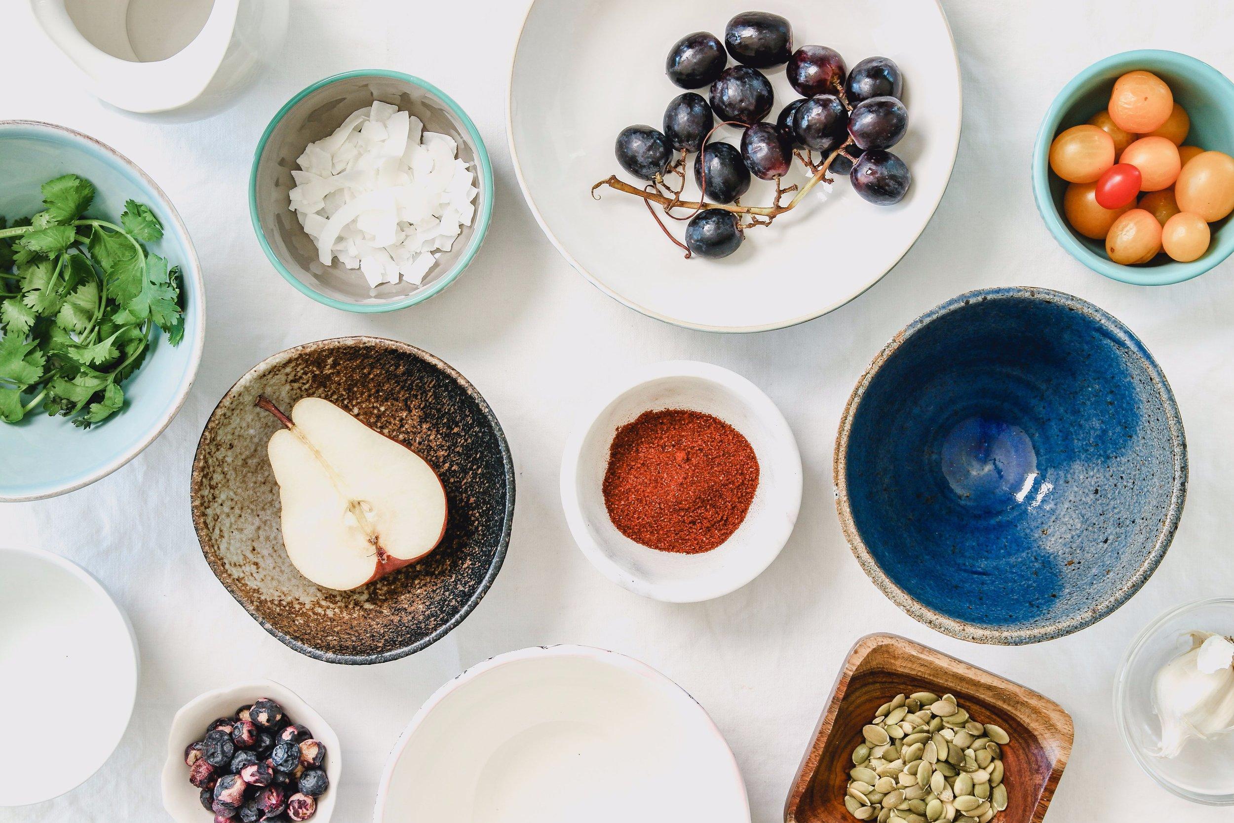 A l'intérieur de ce kit vous trouverez - Le guide des fruits et légumes de saison, une recette de saison, nos conseils courses, et toutes nos astuces pour vous aider en cuisine au quotidien !