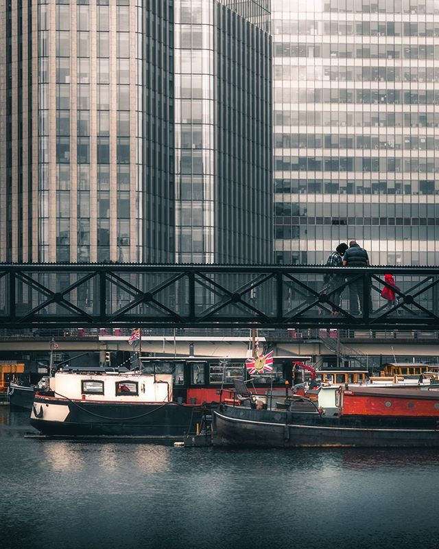 City living or dreaming of the open water.. what's your choice? ⛵️ . Are you a model based in London looking to expand your portfolio or just want some new profile pics? Drop me a DM and let's sort a shoot! 📸 . . . . #all2epic #ourstreetdays #serialshooters #urbanromantix #streetshared #alphacollective #moodygrams #eclectic_shotz #depthdiscovered #streets_vision #theimaged #citygrammers #visualambassadors #gramslayers #depthobsessed #streetgrammers #fatalframes #strangertonez #unknownperspectives #dof_addicts #way2ill #ourmoodydays #shotzdelight #heatercentral #citykillerz #illgrammers #streetmobs #ourcolourdays #street_ninjas #streetmood
