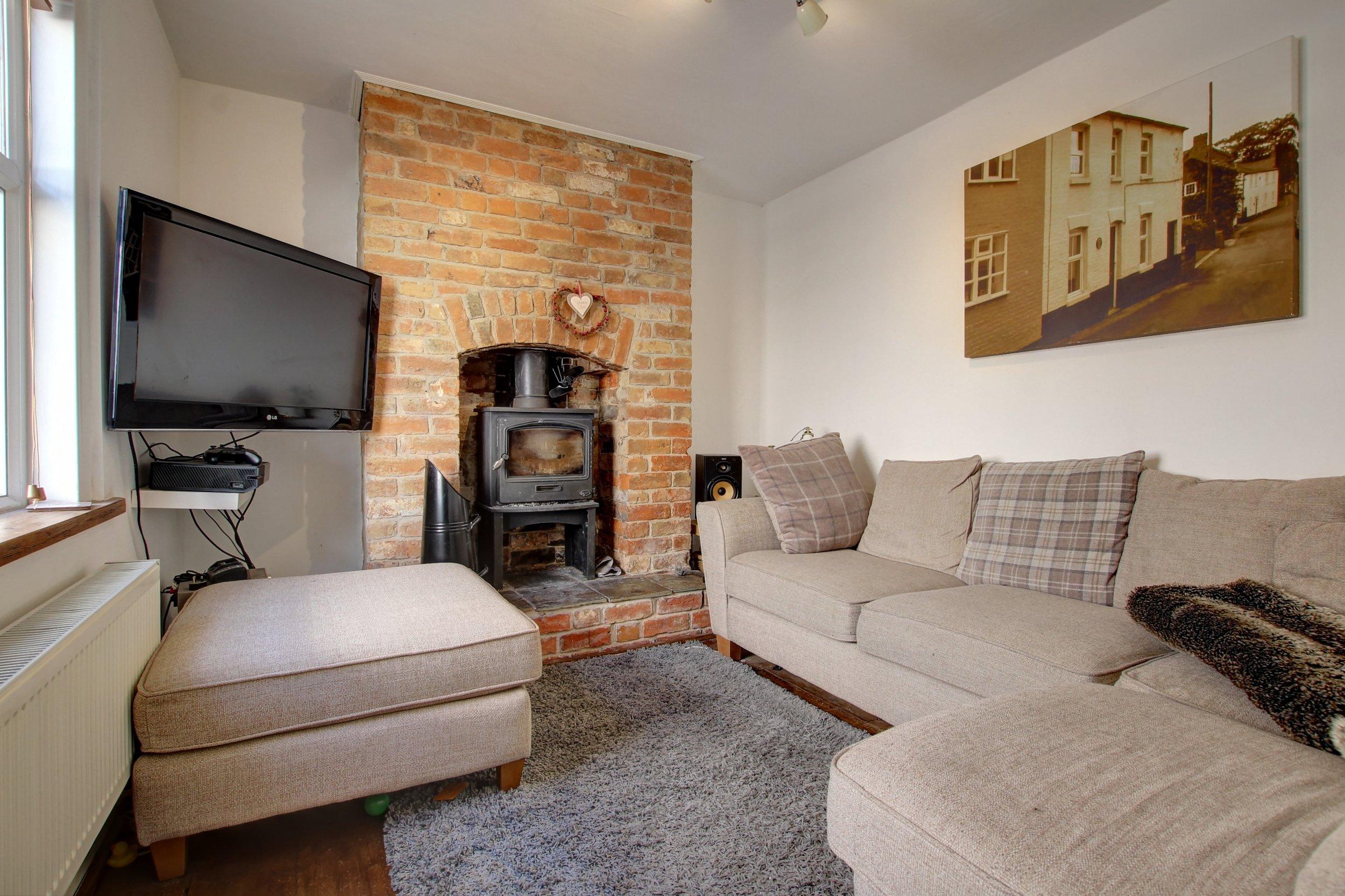 19 lounge.jpg