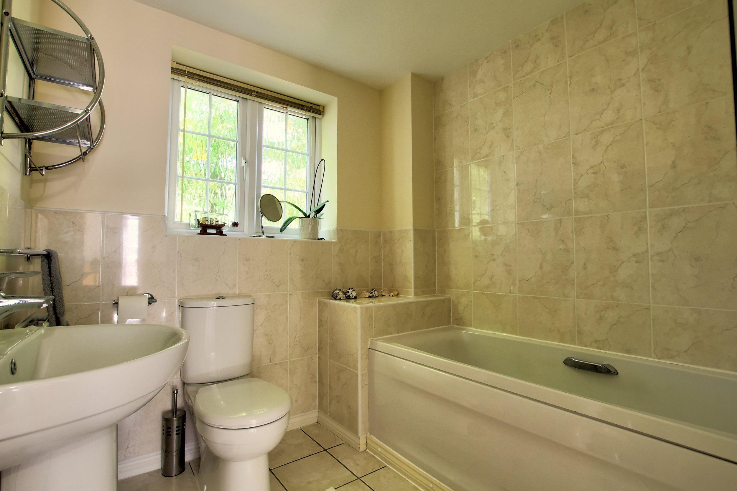 2 Bathroom i.jpg