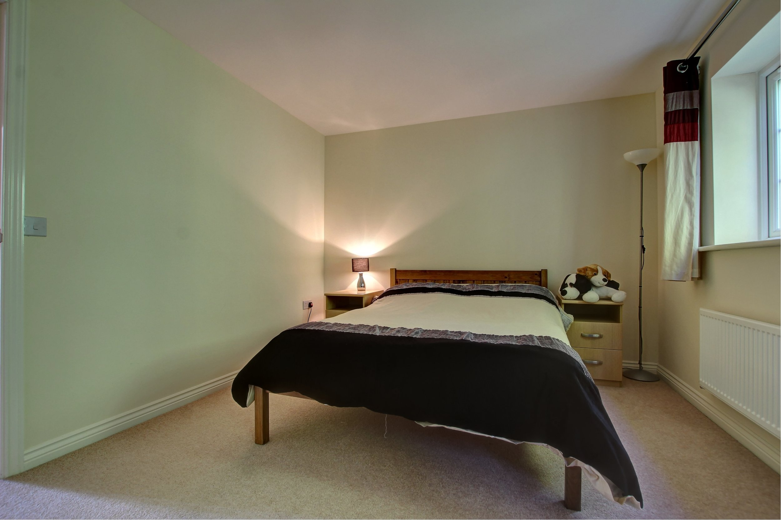 9 Bed 2.jpg