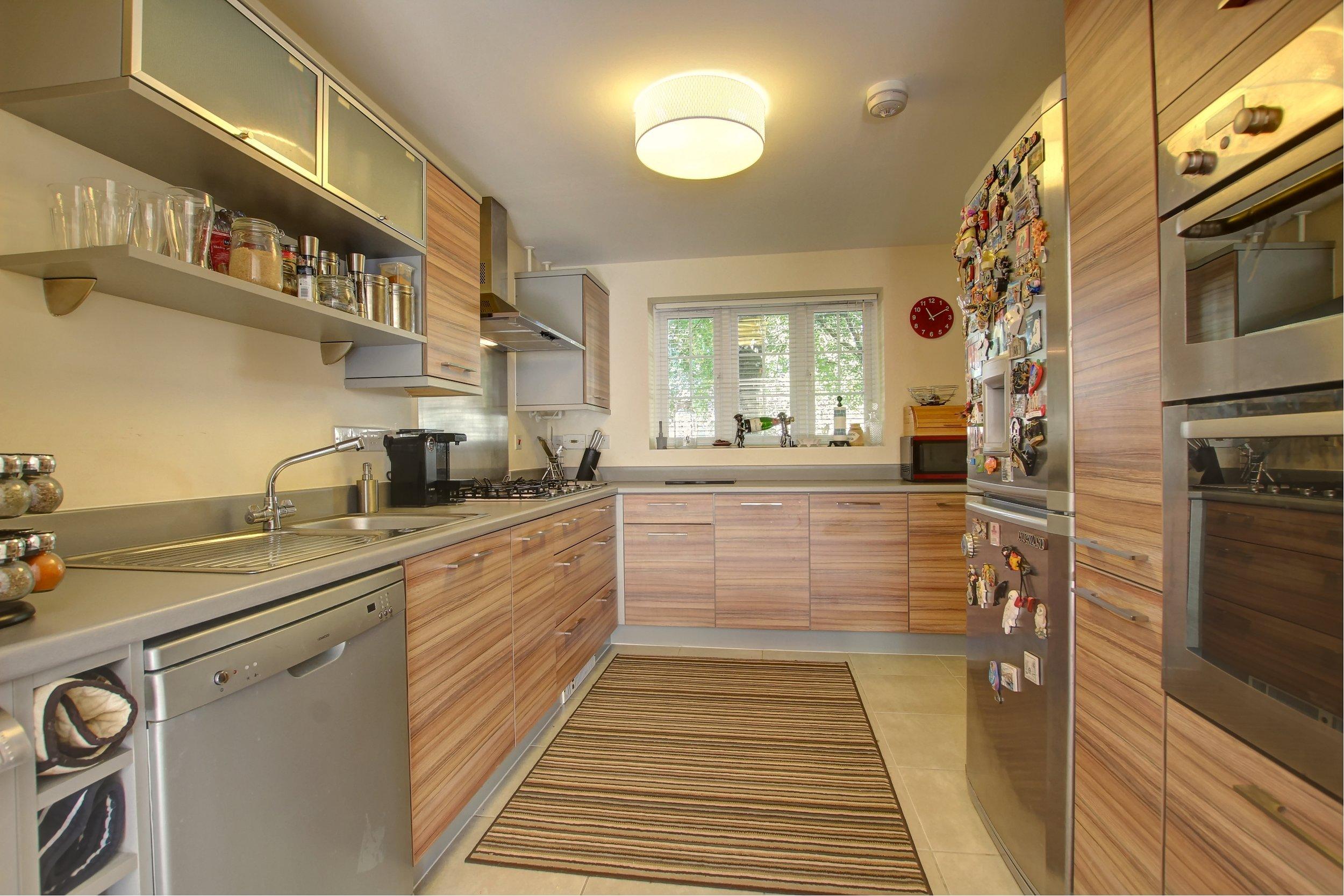 13 kitchen i.jpg