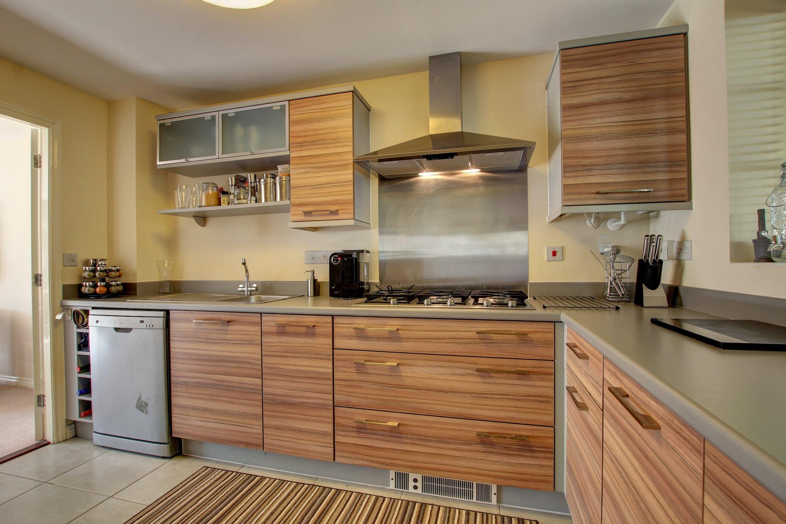 15 kitchen ii.jpg