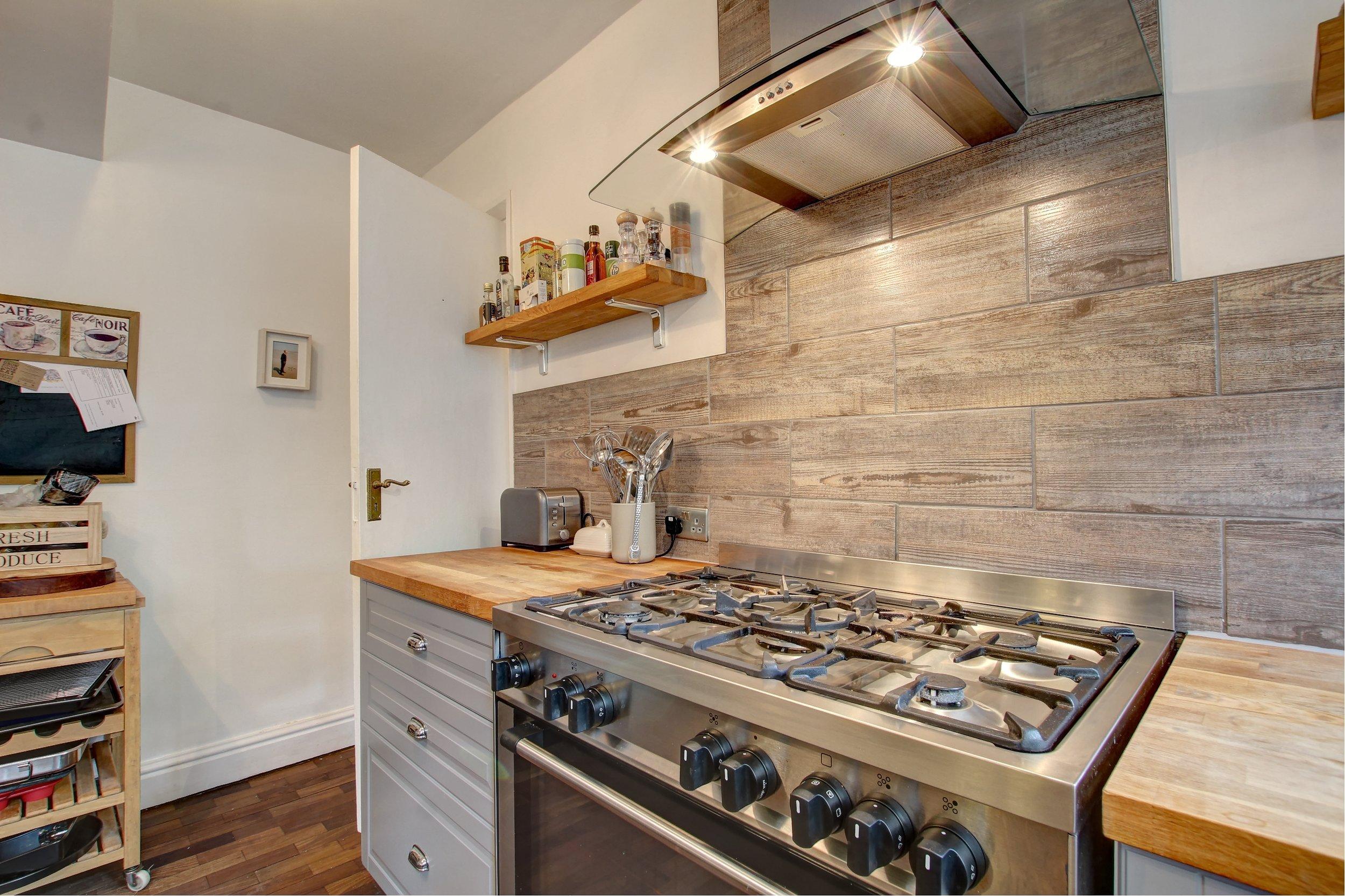 9 kitchen lifestyle.jpg